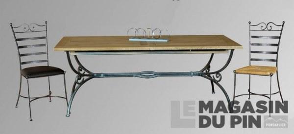 Table en fer forgé plateau chêne